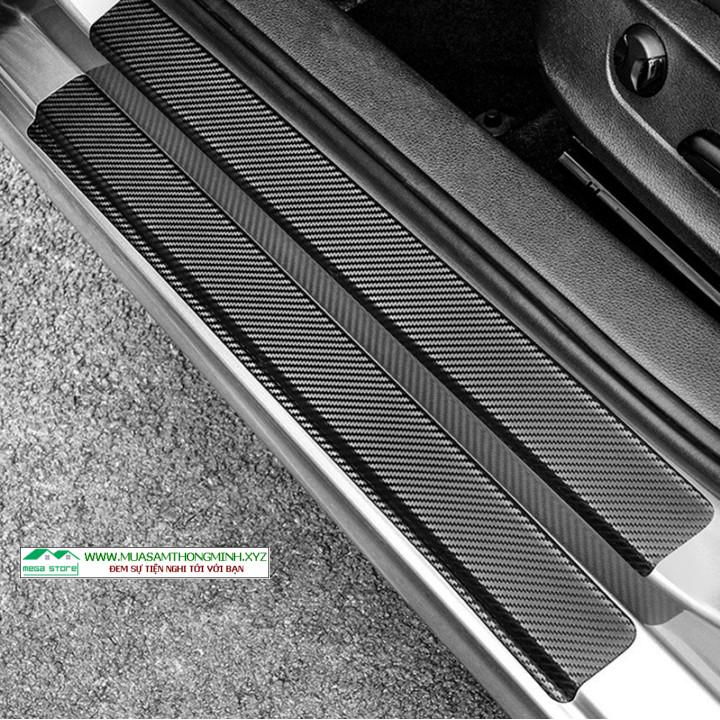 Tấm dán carbon 3D trang trí bậc cửa xe hơi và chống trầy xước